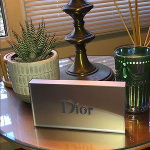 Dior Plaque